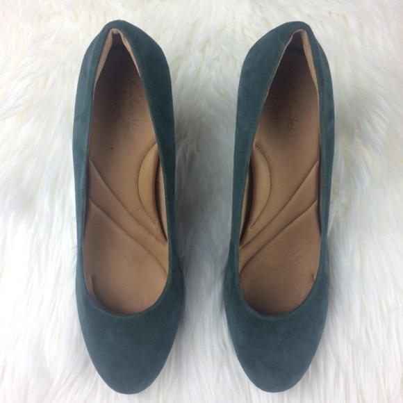 0edbb4666ea4 Clarks Shoes - Clarks Indigo Suede Pumps 11M Platform Heels.